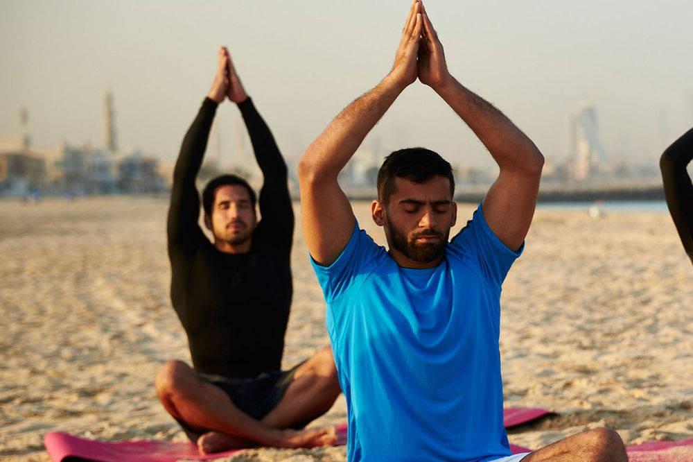 fitness-mindbody-yoga-beach